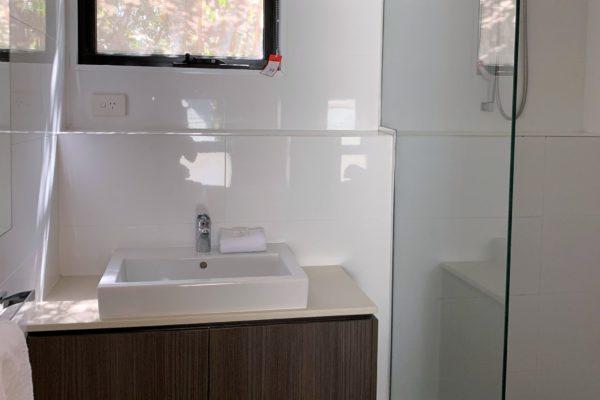 BH 10 Bathroom