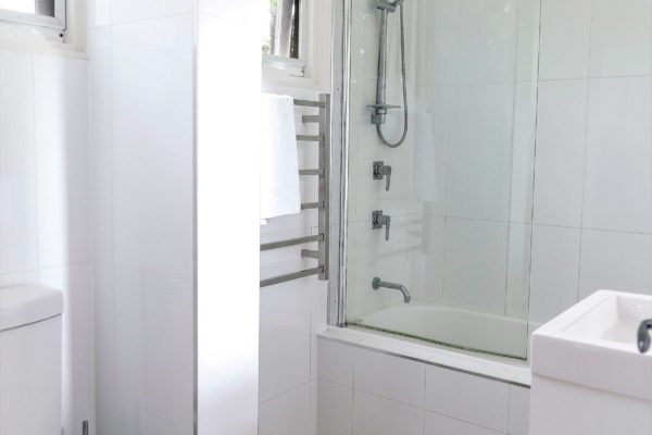 BH11 Bathroom
