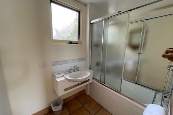 BH2 Bathroom
