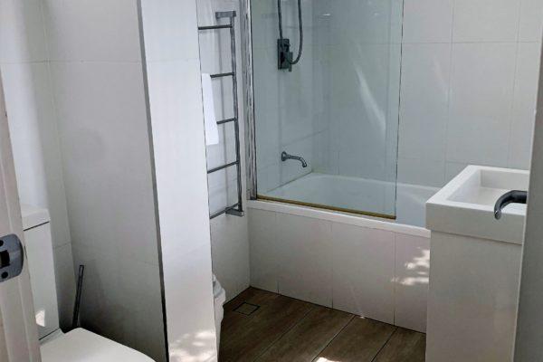 BH7 Bathroom